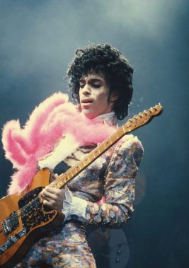 "How Prince Used His Legendary Vault of Songs to Make ""Sign O' the Times"""